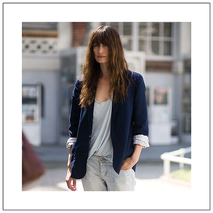 3-secrets-to-french-style-keep-one-element-disheveled-unkempt-hair-crumpled-tee-caroline-de-maigret-desmitten