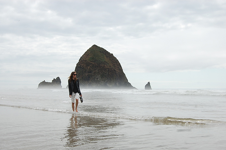 postcard-from-the-west-coast-cannon-beach-oregon-de