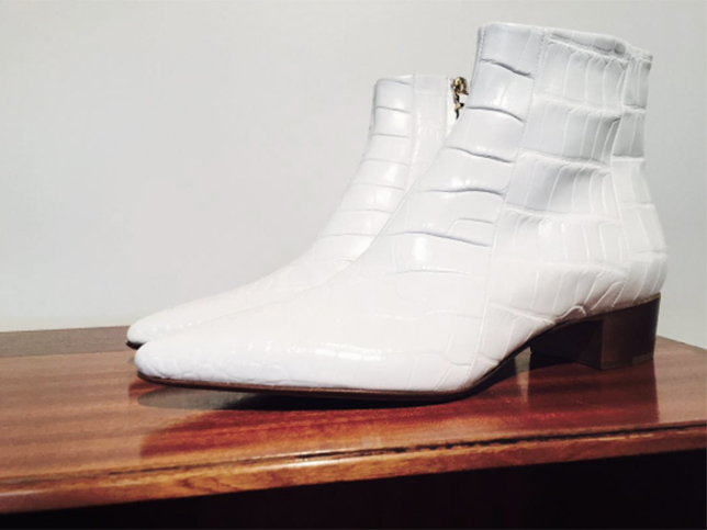 the-row-shoes-pre-fall-2016-white-boots-desmitten